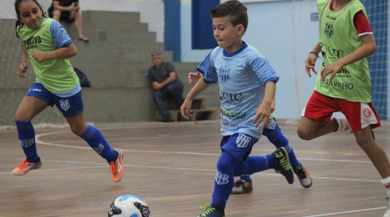 Escola de Futebol do Clube Esportivo inicia período de cadastros com oferta de bolsas