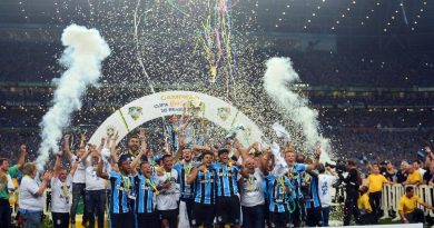 """Romildo Bolzan confia em Grêmio """"diferente"""" nas finais da Copa do Brasil"""